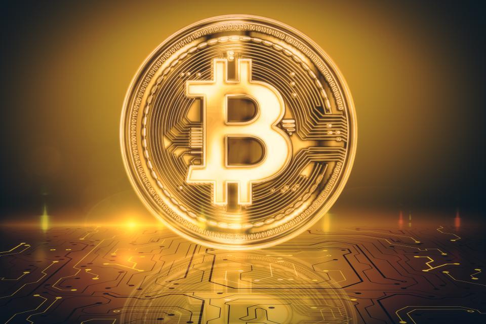 Готов ли биткоин отделиться от традиционных активов?
